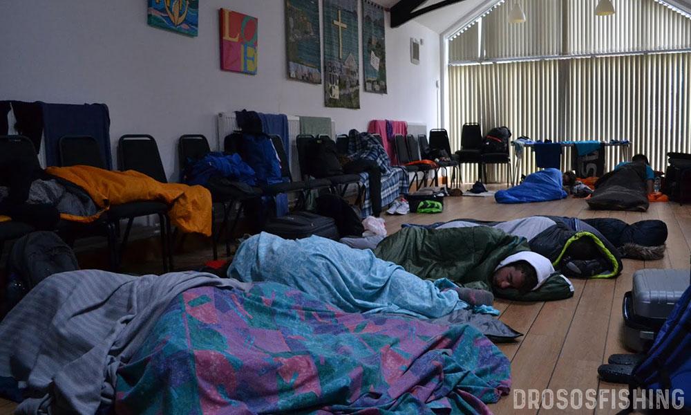 Οι Έλληνες φοιτητές-αθλοσώστες κοιμήθηκαν στο πάτωμα. Αλλά αυτό δεν τους εμπόδισε να κερδίσουν την αγάπη των Βρετανών συναθλητών και διοργανωτών με την απόδοση και τον ενθουσιασμό τους. Οι αρχές είναι πάντα δύσκολες. Και αυτή η ομάδα δεν δίστασε. Περιπέτεια ήταν και με ευχάριστο τέλος!