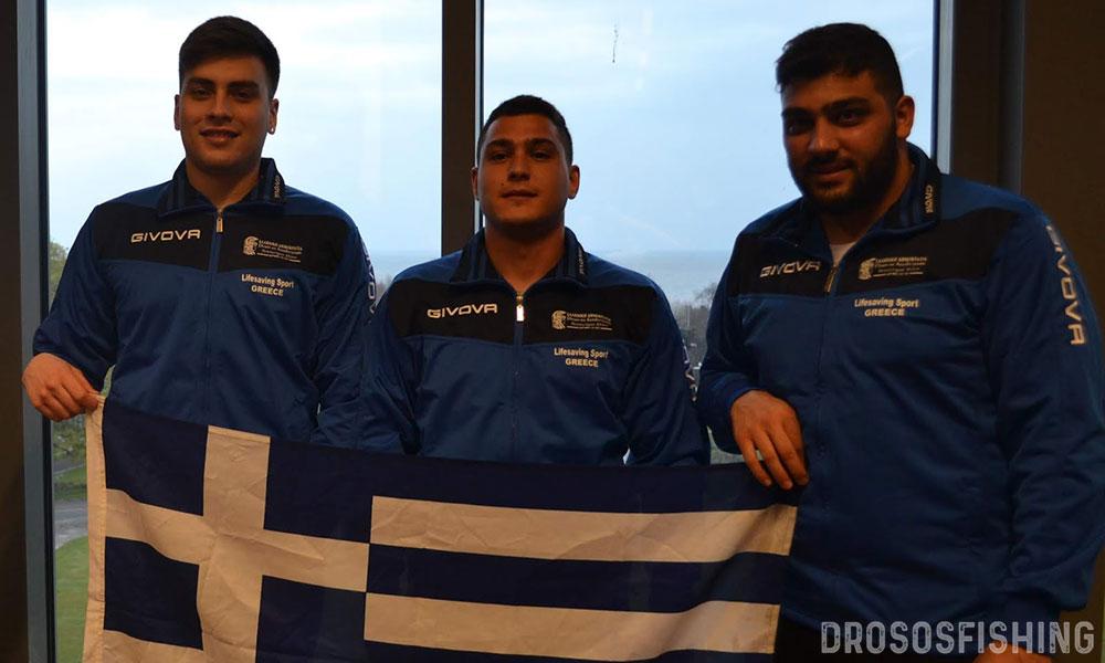 Τρεις Έλληνες φοιτητές-αθλοσώστες που τίμησαν με την αγωνιστική παρουσία και τον παλμό τους την Ελληνική σημαία. Α-Δ: Γιώργος Γάγκος, Μιχαήλ Σουσούνης, Φλουρής Χατζηγεωργίου.
