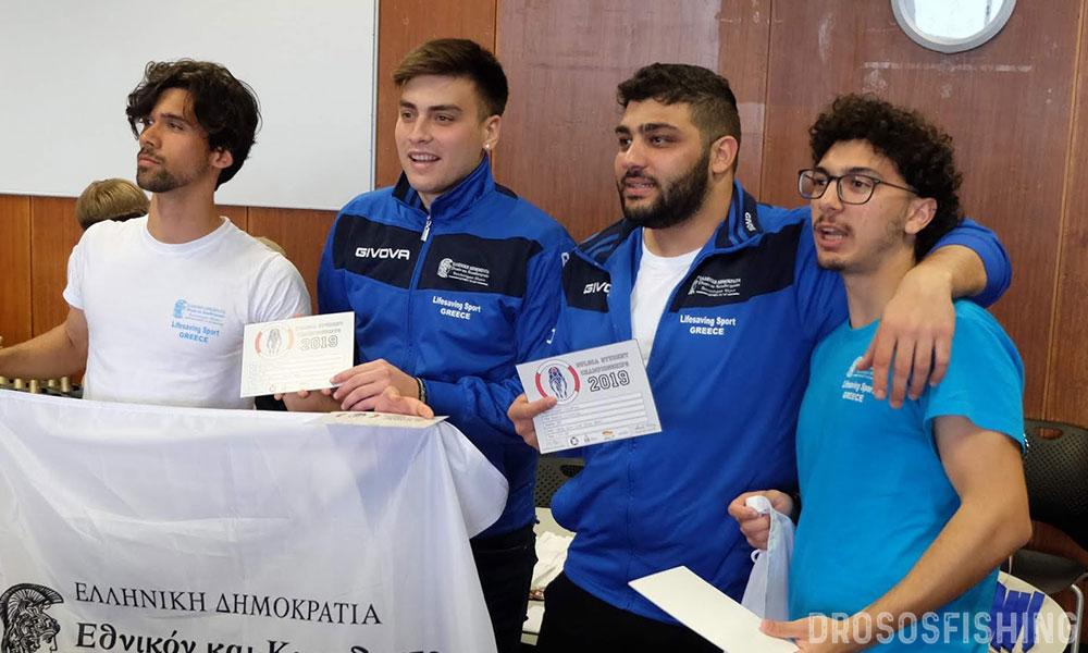 Οι φοιτητές που σήκωσαν Ελλάδα και Κύπρο στον ουρανό με την κατάκτηση της 3η θέσης.  Α-Δ: Ιάκωβος Χασάπης, Γιώργος Γάγκος, Φλουρής Χατζηγεωργίου, Γιάννης Χαλκιαδάκης.