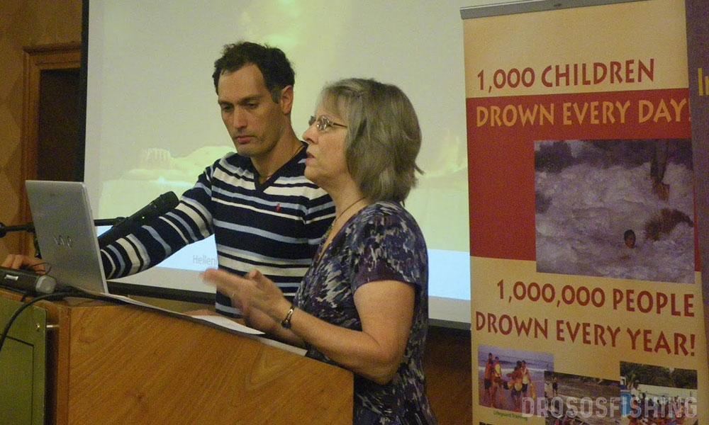 Ο Στάθης Αβραμίδης και η διεθνούς φήμης ερευνήτρια Prof. Jan Holden παρουσιάζουν εργασία σχετικά με τις επιθανάτιες εμπειρίες θυμάτων πνιγμού στο διεθνές συνέδριο ναυαγοσωστικής του Lifesaving Foundation.